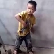 【虐待】タバコでジュッってして子供いじめてるDQNがこいつら ※動画