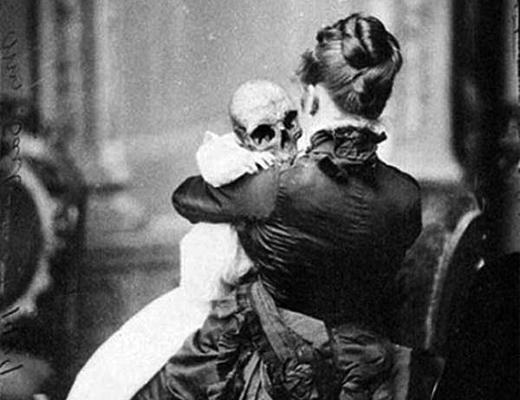 【閲覧注意】理解できない昔の怖い写真ってなんか怖いよな・・・・・