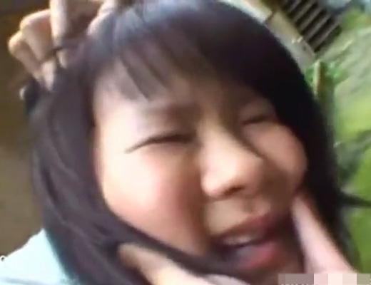 【JK レ●プ】女子校生を裏路地に連れ込んで集団でレ●プするマジキチ集団・・・ ※動画