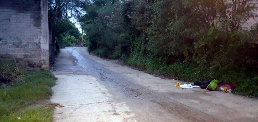 【グロ画像】今日も首なしの女の子と一緒に置き手紙が路上で見つかりました inメキシコ ※閲覧注意