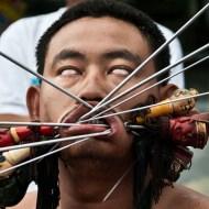 【閲覧注意】顔に剣6本刺して芸術極めたったドヤァwwwしてるような奴らとは交じれる気がしない・・・ inベジタリアン・フェスティバル