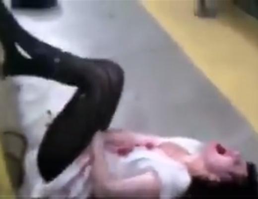 【閲覧注意】重度や薬物中毒の女の状態がエクソシスト並に喚き散らしてヤバいんだが・・・ ※動画
