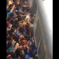【おもしろ動画】東京の通勤ラッシュとかヌルゲー過ぎんだろwインド混みっぷりがエグすぎるwww