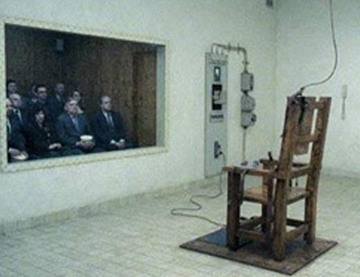 【グロ画像】女児レ●プ犯を電気椅子で死刑執行してみた 閲覧注意
