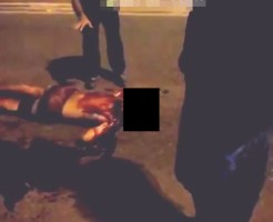 【グロ動画】路上で刺され血塗れで死んでいく少年・・・