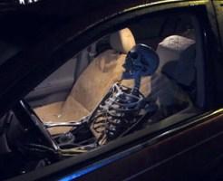【おもしろ動画】 ガイコツがドライブスルーにやってきたらどうなるか?