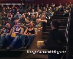 【ドッキリ】こえぇ~!!148人のチンピラ、不良でいっぱいの映画館w