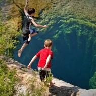【閲覧注意:自然】まるで奈落…「ヤコブの井戸」と呼ばれる飛び込みスポット。危険すぎてすでに9人が死亡
