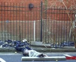 """【閲覧注意】衝撃的な画像。警察から逃げようとした男が """"2つに分かれて"""" 死亡"""