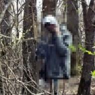 【閲覧注意】山の中で男性の首吊り死体が見つかったが、足はすでに食べられていた