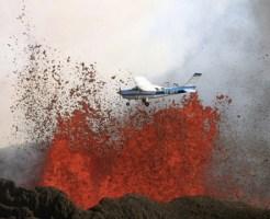 【閲覧注意】噴火する火山ギリギリを飛行してみた結果・・・【4pic】