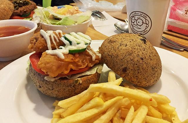 [台北] VeGeter維珍特|讓人興奮的素食界麥當勞 現身台北!松創店 (影音