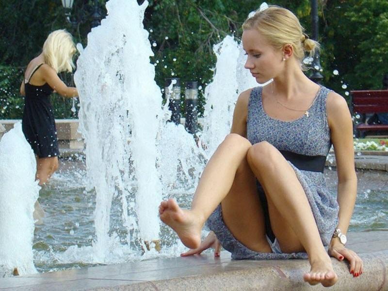 (写真)海外女子たちのパンツ丸見え・マンチラ・チクビポ少女が凄い