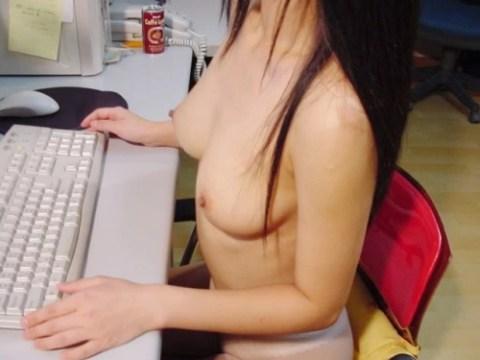 【画像】オフィスで働く女子社員見てムッツリ男子社員が想像してるイメージがこちらwwwwwwwwwwww(23枚)