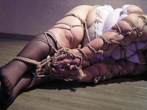 (写真22枚)縛られて無様なハムになってる女たちをご覧くださいwwwwwwwwwwwwwwwwwwwwwwwwww