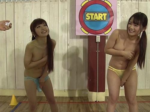 (負けたらナカ出し)女子二人に玩具挿したまま「時間よ止まれ☆」GAMEした結果・・・(※写真あり)