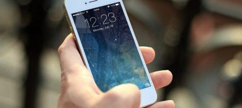 北上求職的嘉義女孩,月入不到3萬,為何堅持換iPhone?