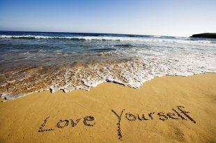 好困擾,明明很努力,但朋友總說我不夠「愛自己」,其實你真正需要的是另外三個字
