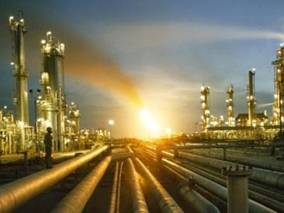 قطاع البترول : تنمية صعيد مصر هدف استراتيجى.. تنفيذ برامج لزيادة الأنشطة البترولية.. وعقد الاتفاقيات.. جذب الاستثمارات للبحث عن البترول