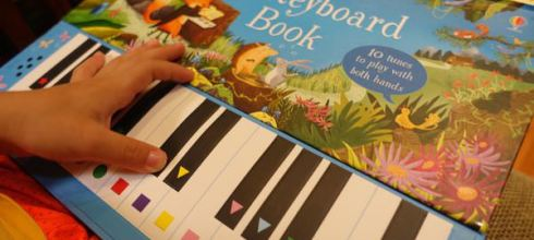 可以彈的鋼琴書●英國Usborne-Big Keyboard Book●大尺寸鍵盤音效書