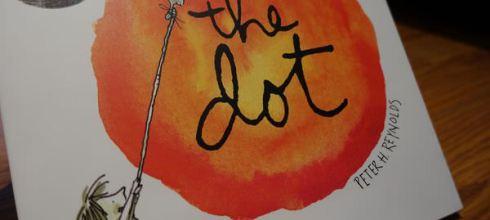 請持續鼓勵孩子的創造力●The Dot: Make Your Mark Kit ●10周年色鉛筆紀念書