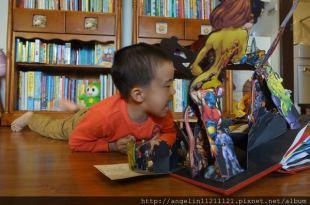 男寶媽很難閃●DC Super Heroes超級英雄立體書●還有樂高蝙蝠俠電影貼紙書
