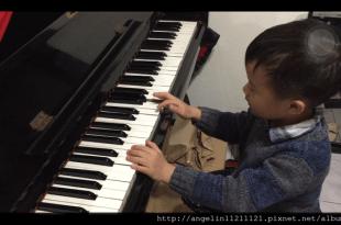 [4y7m] ●那些繪本教會孩子的事●同大爺彈鋼琴,彈錯沒關係