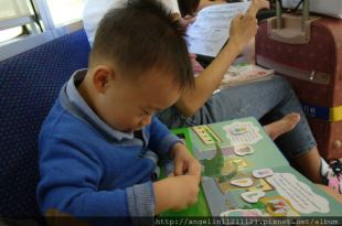 [同大爺書報]Peppa Pig粉紅豬小妹磁鐵書, 還有女寶必備的●芭比手提箱磁鐵書●