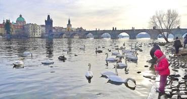 捷克自助、布拉格景點|查理大橋.布拉格最古老石橋、不朽聖人橋,從伏爾塔瓦河兩岸拍下記憶最美查理大橋與布拉格印象