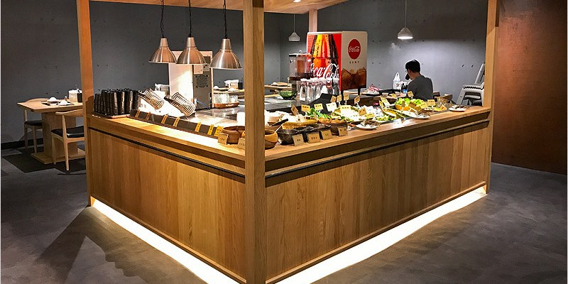 台中吃到飽 | 牛比蔥壽喜燒吃到飽專門店 (廣三SOGO店)-大口放肆吃肉吃到飽好過癮。