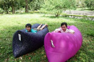 【家庭好物】野餐露營必備的戶外好物~COMFY.air Sofa空氣沙發!