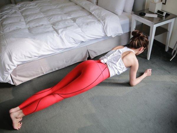 <運動> 5種養成腹肌的棒式教學 & 專業運動壓力衣分享!Marena Sport。