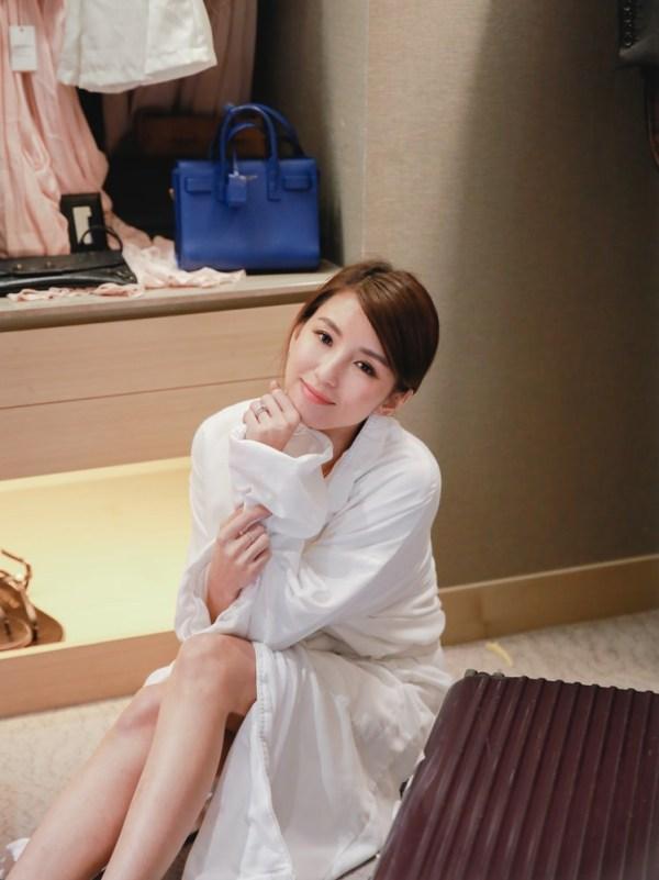 <生活>我夢想中的衣櫃。熊寶貝香水精華衣物柔軟精/山茶白玫瑰