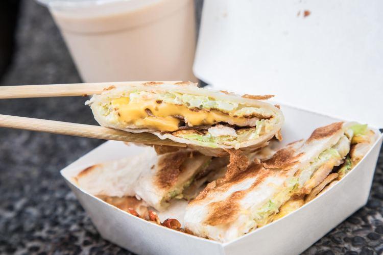 [台北中正]台北車站美食推薦,純手工脆皮蛋餅,小魚辣椒必加!蛋要酷手工蛋餅專賣店