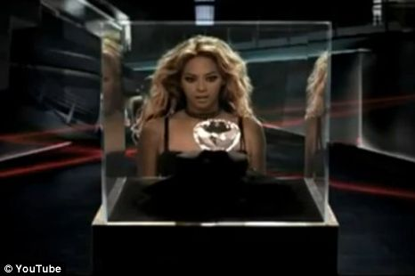 Beyonce steals the diamond