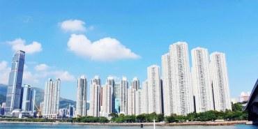 香港新界景點   港鐵青衣站 海濱走廊 藍色大海 高樓美景 悠閒漫步 好好逛的青衣城就在旁邊
