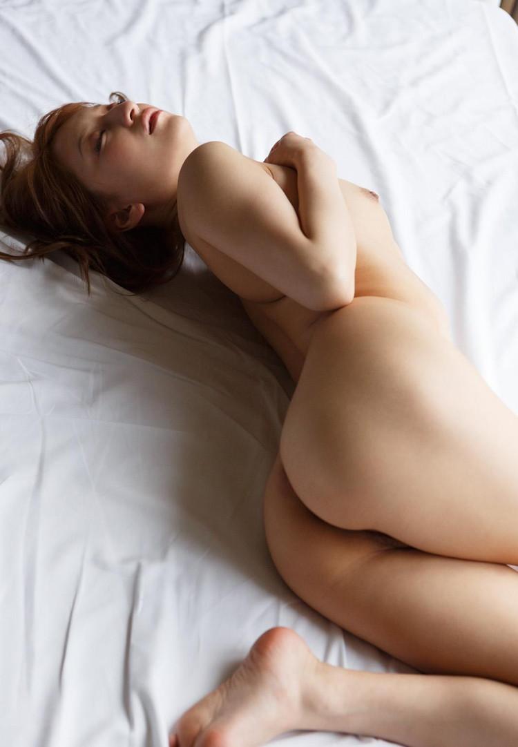 【ヌード画像】ムチっとしたプリっとしたヌードモデルらの綺麗なお尻で昇天w(35枚) 04