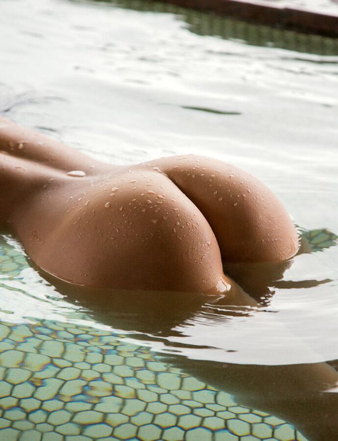 【ヌード画像】ムチっとしたプリっとしたヌードモデルらの綺麗なお尻で昇天w(35枚) 26