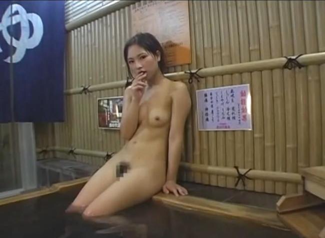 【ヌード画像】温泉美女の色っぽい肌に大興奮! 33