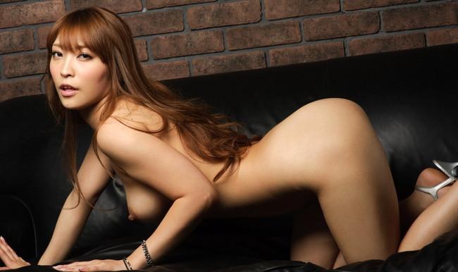 【ヌード画像】女豹のポーズで悩殺必至!性的に食べられたいw 09
