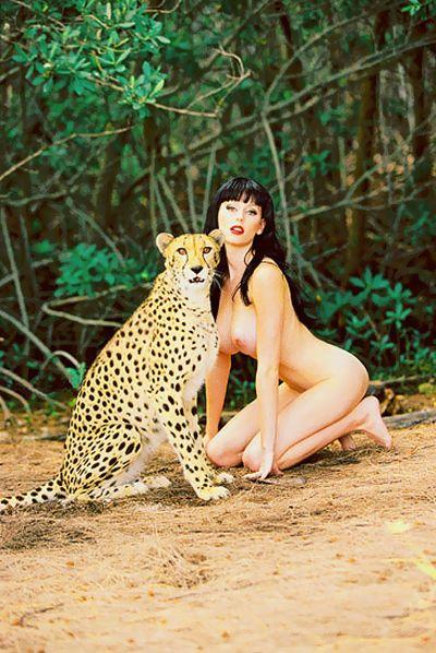 【ヌード画像】女豹のポーズで悩殺必至!性的に食べられたいw 36