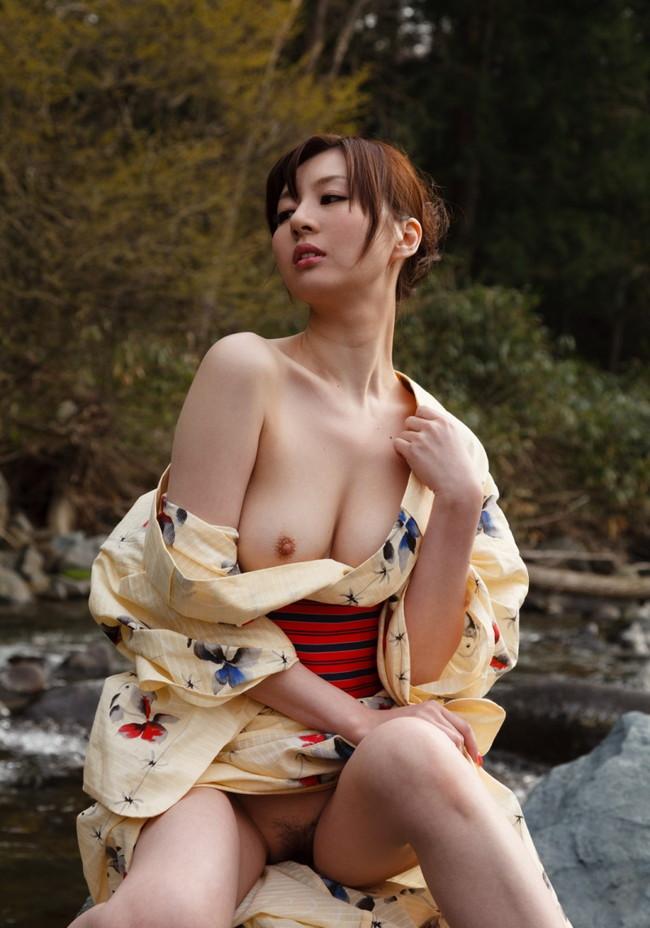 【ヌード画像】浴衣美女の半裸姿がぐうしこw(31枚) 07