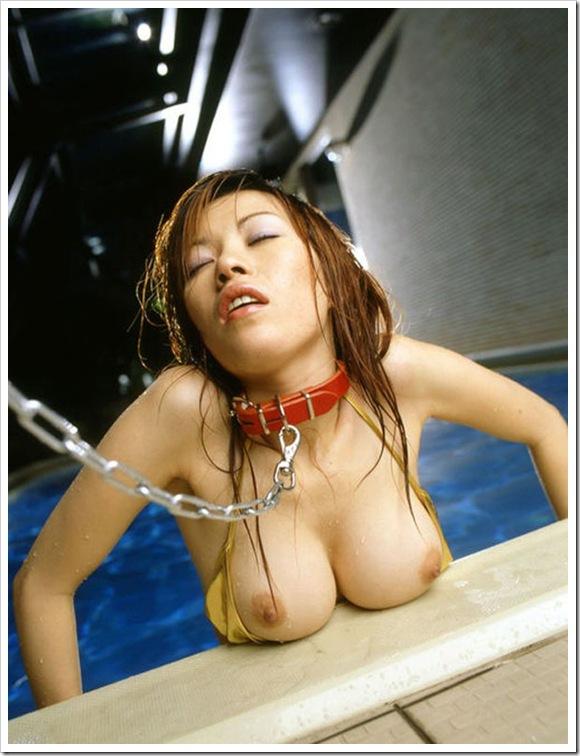 【ヌード画像】首輪つき女の子たちを雌犬扱いしたいw(34枚) 11