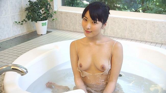【ヌード画像】カワイイのにエロい由愛可奈の裸体で昇天確実!(33枚) 25