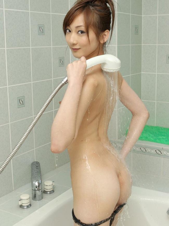 【ヌード画像】シャワーを浴びている美少女たちに心が洗われるようですw(35枚) 24