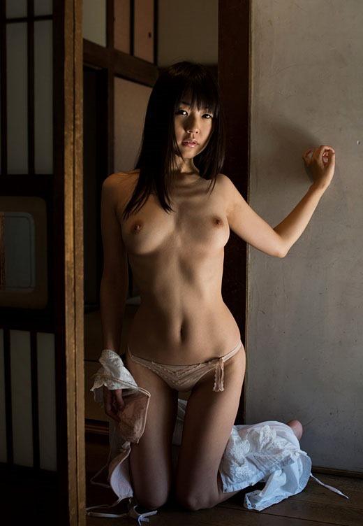 【ヌード画像】ロリータ系セクシー女優つぼみの裸体で暴発間違いなしw(31枚) 13