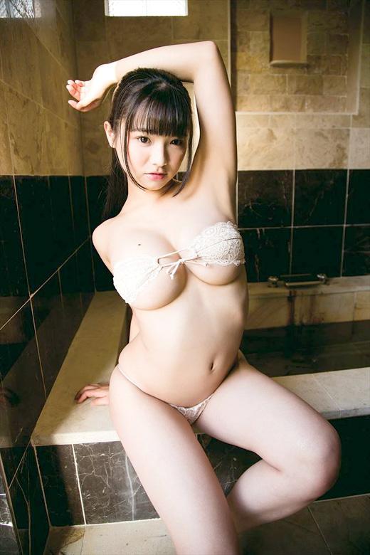 【ヌード画像】童顔でカワイイ美少女が素肌をさらしているw(32枚) 05