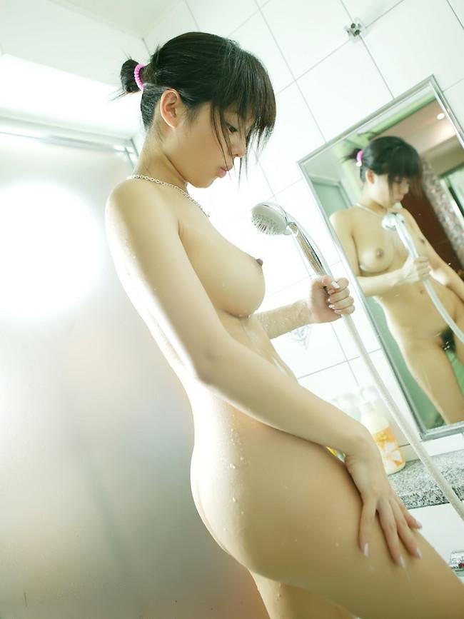 【ヌード画像】童顔でカワイイ美少女が素肌をさらしているw(32枚) 16