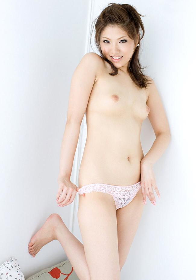 【ヌード画像】パンティ1枚だけの女の子たちw全裸よりエロいw(30枚) 15