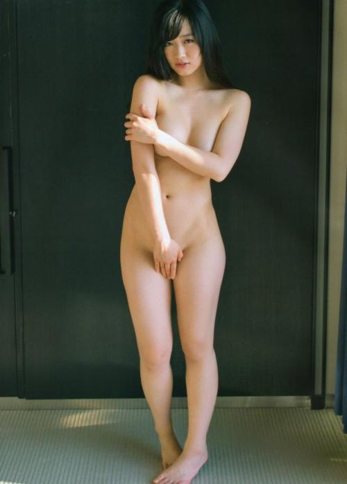 【ヌード画像】手で股間を隠した美女の姿が女神のように美しいw(32枚) 16